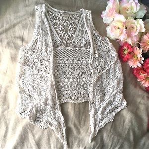 Crochet Lace Sleeveless Cardigan